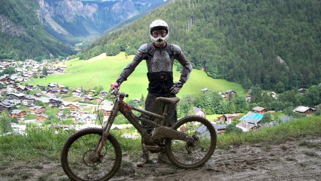 mountain biking holidays