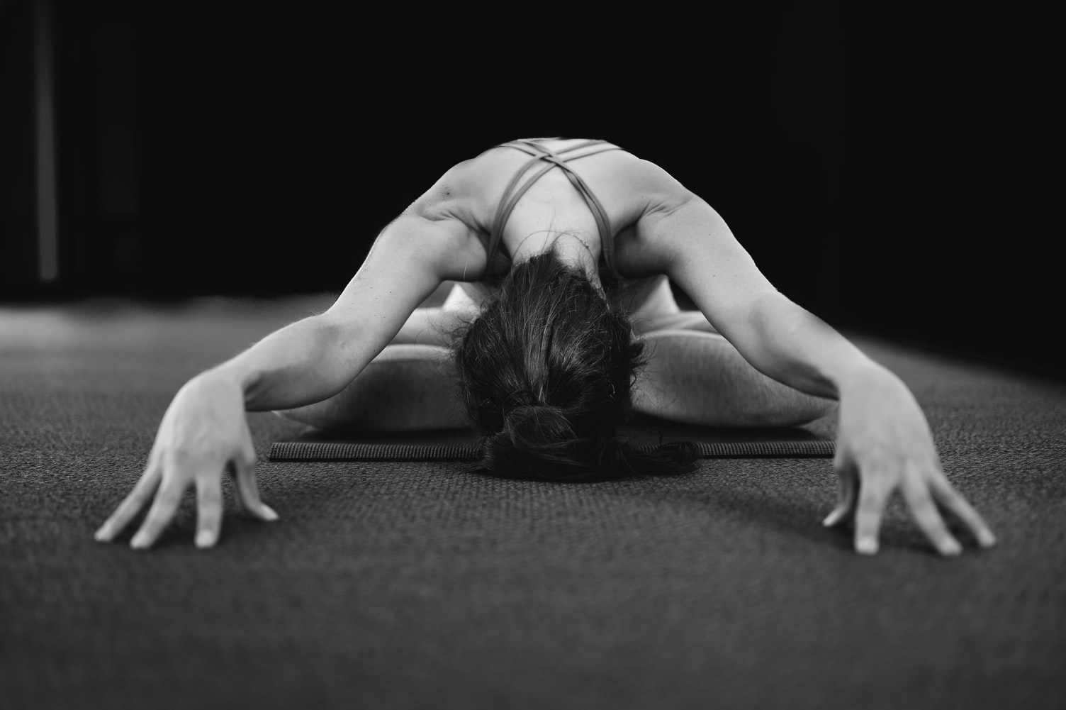 black and white home yoga